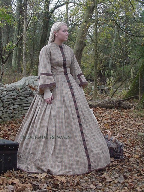 S Victorian Traveling Fashion
